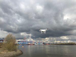 Phantom 4 im Hafen